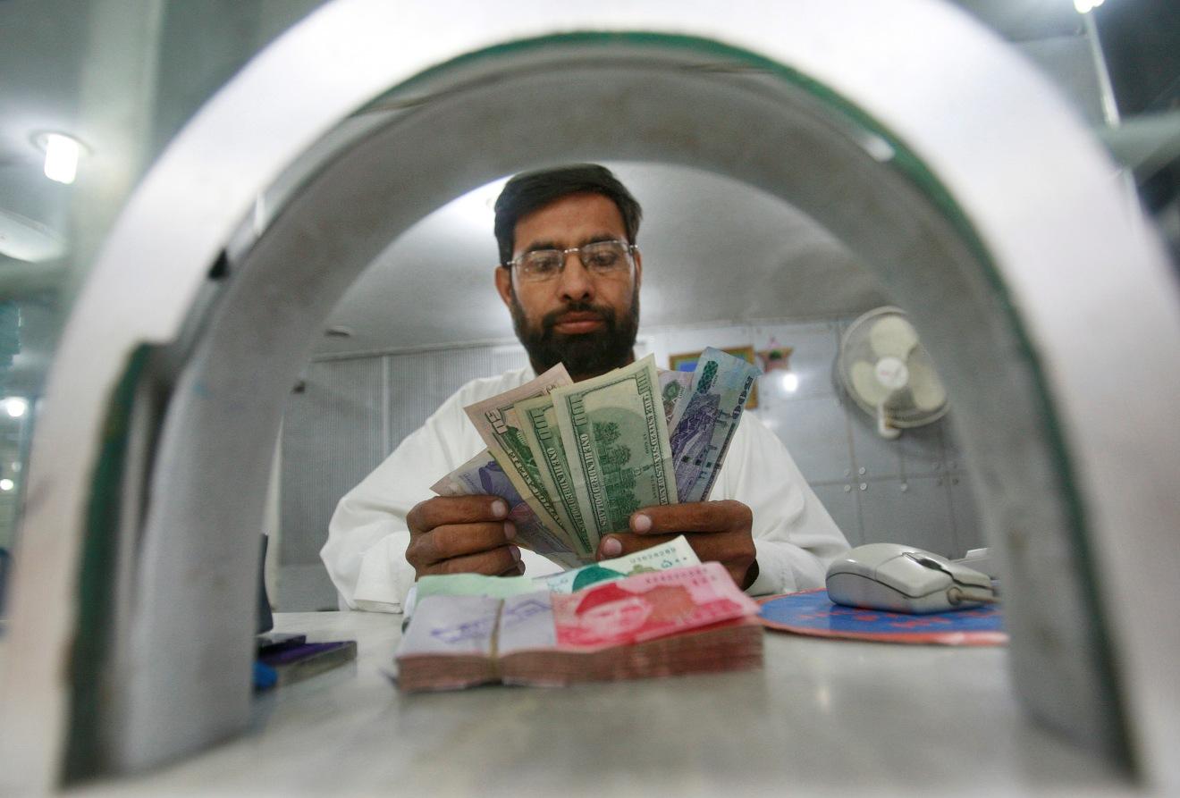 Банк разделяет финансовые риски с заемщиком